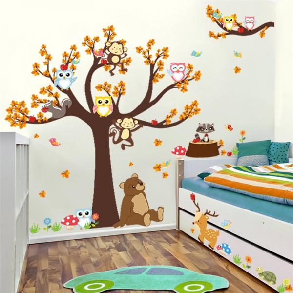 Sticker copii - Copac, frunze de toamna si animale 2